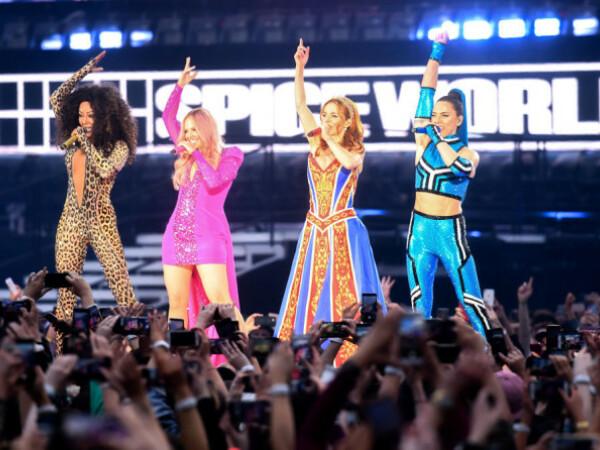 Patru dintre fetele de la Spice Girls s-au reunit și au susținut un concert la Dublin