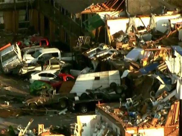 Dezastru provocat de o tornadă într-un oraș din SUA