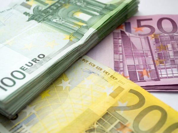 Euro, curs valutar