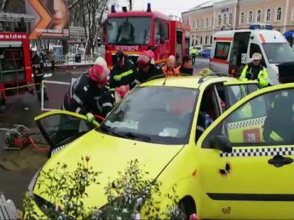 taximetrist blocat in masina