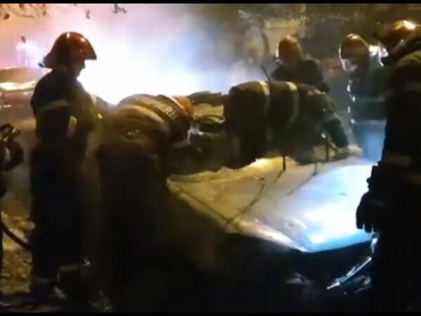Masini incendiate la Pitesti