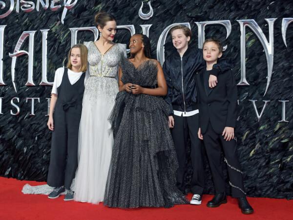 Shiloh, fiica Angelinei Jolie și a lui Brad Pitt, face tratament pentru schimbare de sex - 10