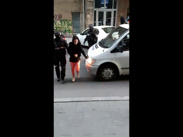Fetiță obligată să se prostitueze chiar de sora ei