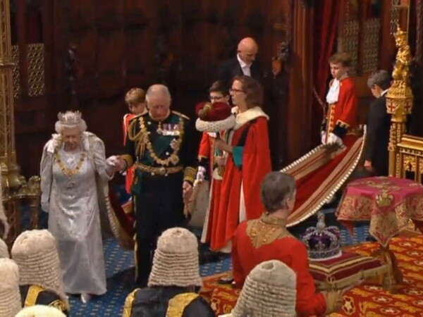 Regina Elisabeta a II-a a deschis sesiunea Parlamentară din Marea Britanie