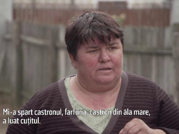 Filmul incidentului șocant în care un tânăr de 23 de ani și-a înjungiat părinții