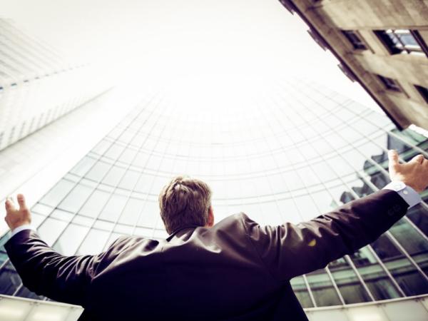 Cum poți MINIMIZA RISCUL în afaceri? Iată top 10 firme care au, în prezent, cele mai mari datorii la stat