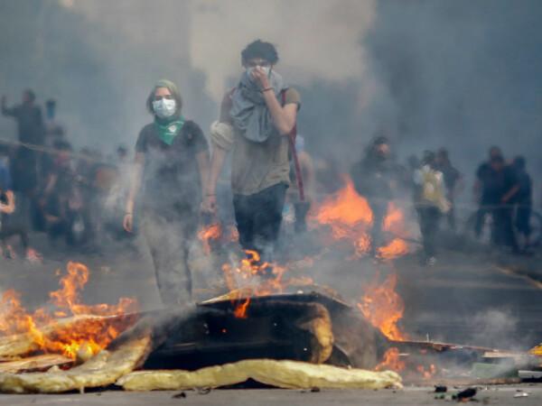 Proteste violente în Chile - 5