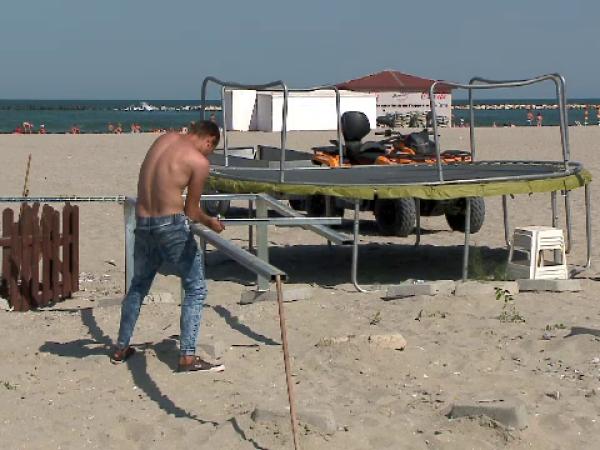 Comercianții își închid afacerile pe litoral