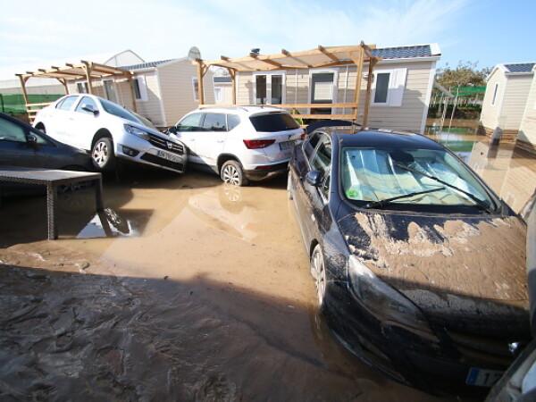 Inundații istorice în Spania. Cinci morţi în două zile