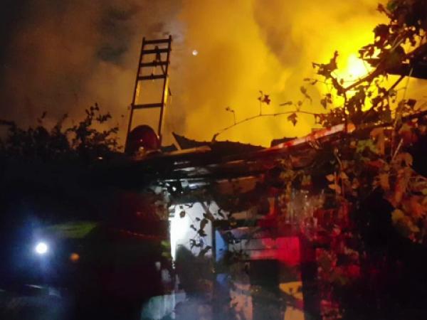 Panică în Brașov, după izbucnirea unui incendiu la o casă