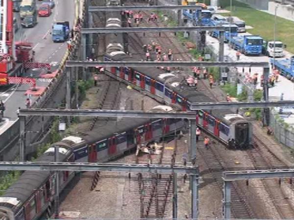 Tren deraiat în Hong Kong: sunt mai multe victime