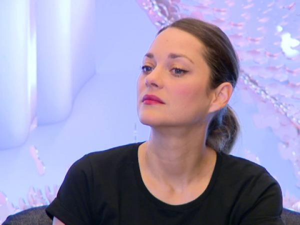 Actriţa Marion Cotillard, în rolul Ioanei d