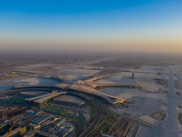 Chinezii au reuşit să contruiască un aeroport gigantic lângă Beijing