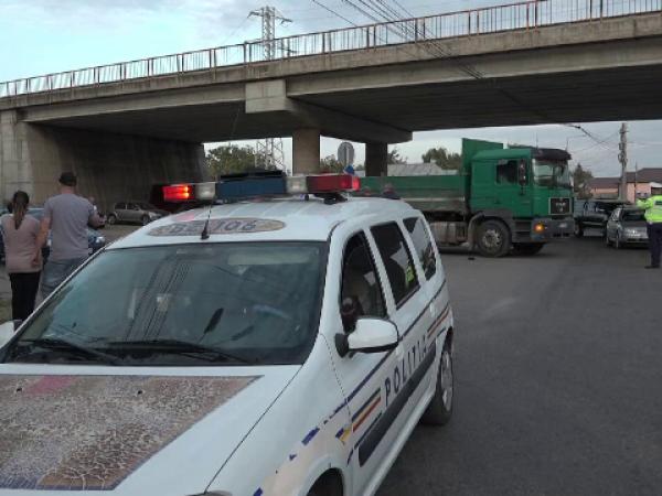 Batran calcat de camion