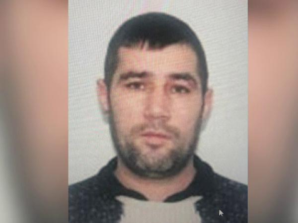 Un deţinut condamnat pentru omor calificat a evadat în timp ce se afla la muncă