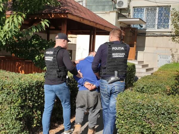 Polițiștii au reținut un bărbat din buzău dat în urmărire internațională.