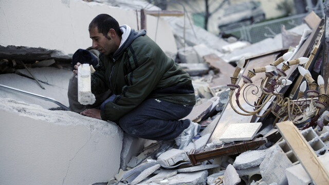 Cutremur puternic langa Roma, in Italia! Peste 150 de morti! - Imaginea 6