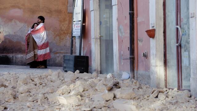 Cutremur puternic langa Roma, in Italia! Peste 150 de morti! - Imaginea 9