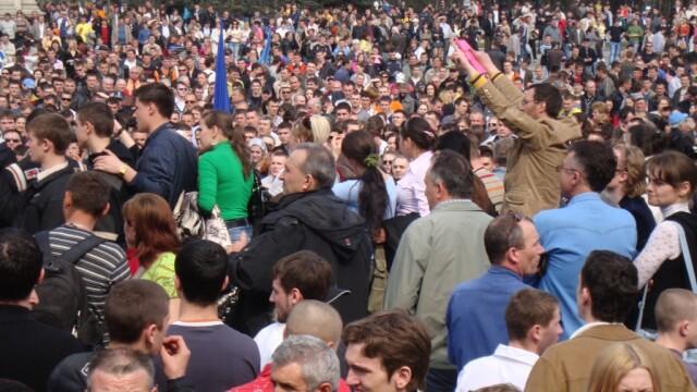 Miting de solidaritate cu cei din Chisinau in Piata Universitatii! - Imaginea 3