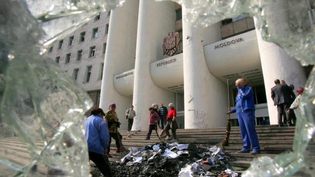 Revolta in Moldova! Un moldovean a murit dupa ce a fost batut de politie - Imaginea 18