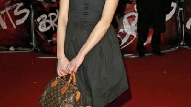 Cheryl Cole de la Girls Aloud e cea mai bine imbracata vedeta! - Imaginea 4