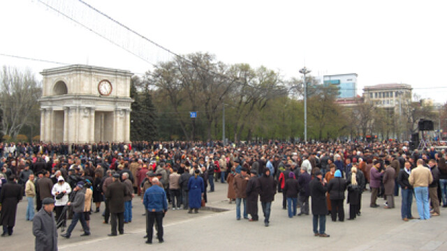 Revolta in Moldova! Un moldovean a murit dupa ce a fost batut de politie - Imaginea 2
