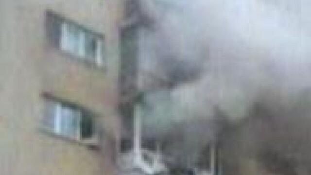 Explozie urmata de un incendiu, intr-un bloc din Timisoara