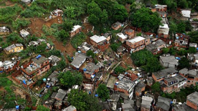 Rio de Janeiro, devastat de ploile torentiale si alunecarile de teren!