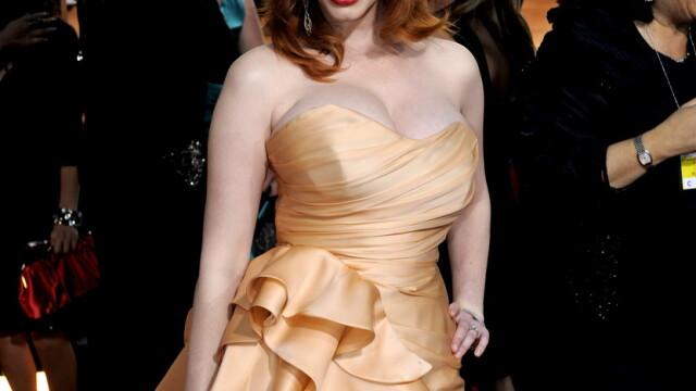 Christina Hendricks e cea mai sexy femeie din lume! Adio Megan Fox - Imaginea 6