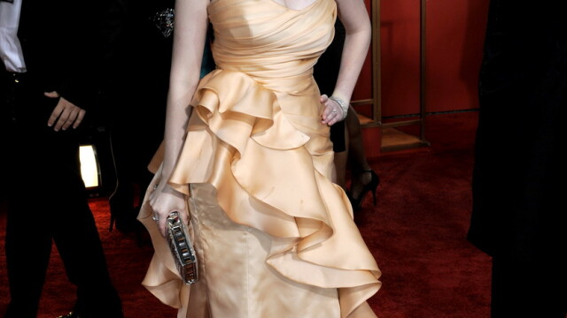 Christina Hendricks e cea mai sexy femeie din lume! Adio Megan Fox - Imaginea 8