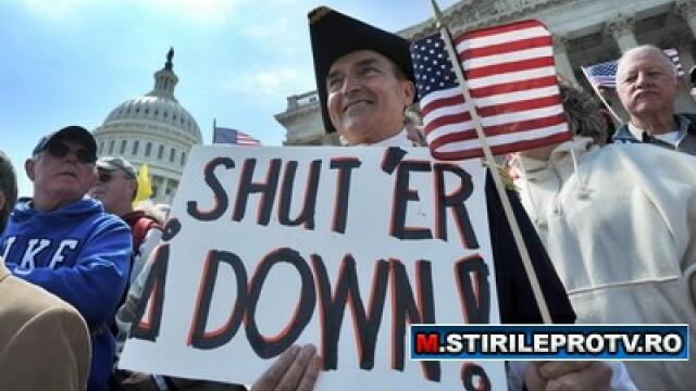 Guvernul american, la un pas de inchidere. SUA risca paralizia fiscala - Imaginea 2