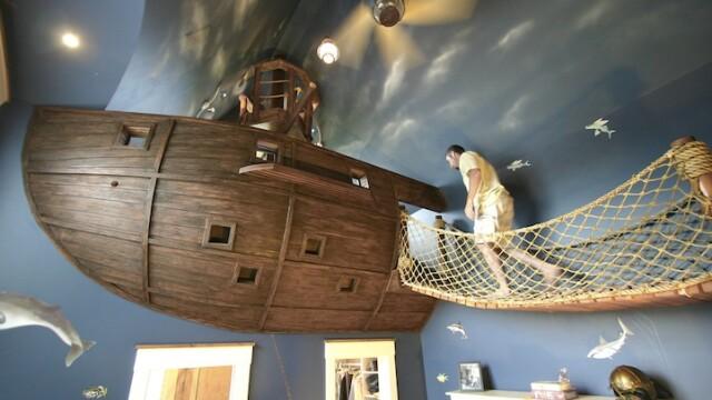 Dormitorul sub forma unei nave-pirat. GALERIE FOTO - Imaginea 1