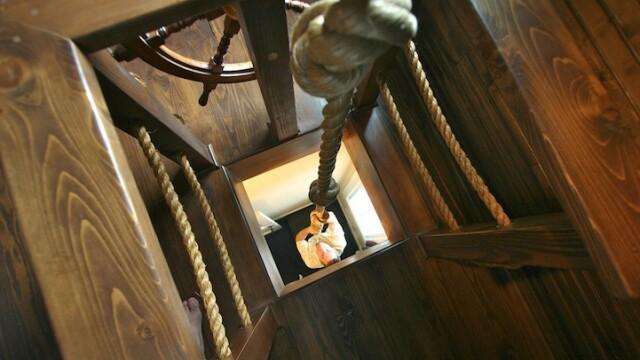 Dormitorul sub forma unei nave-pirat. GALERIE FOTO - Imaginea 5