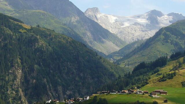 Ce decizie au luat locuitorii unor sate care stau pe munti de aur - Imaginea 1