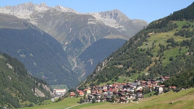 Ce decizie au luat locuitorii unor sate care stau pe munti de aur - Imaginea 3