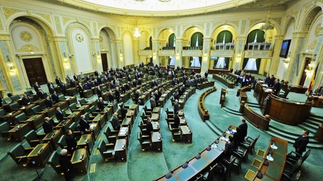Sedinta solemna in Senat, pentru aniversarea a 150 de ani de activitate. Victor Ponta: Absenta lui Basescu este anormala
