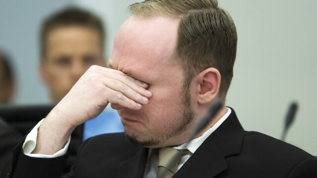 Tanara impuscata in fata, care i-a supravietuit lui Breivik: \