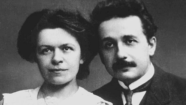 Albert Einstein cu sotia