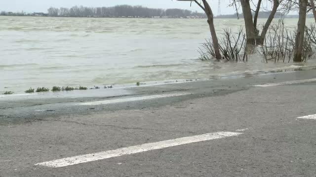 Pericolul de inundatie in zona Dunarii creste de la o zi la alta. A depasit cotele de atentie