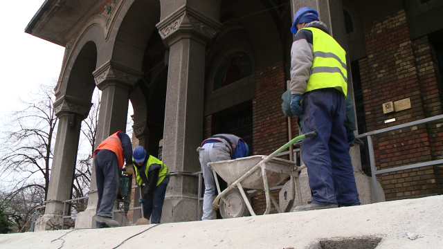 Treptele Catedralei Mitropolitane, reabilitate cu 100.000 de euro. Primaria da jumatate din suma