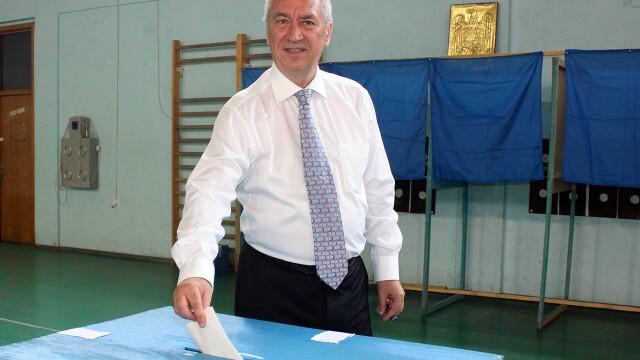 Presedintele CJ Dolj, Ion Prioteasa, urmarit penal pentru licitatii trucate, anunta procurorii DNA