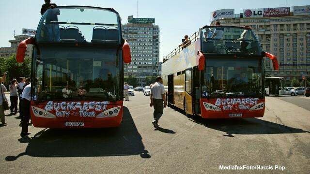 Autobuzele supraetajate vor circula din mai pe traseul turistic Bucharest City Tour