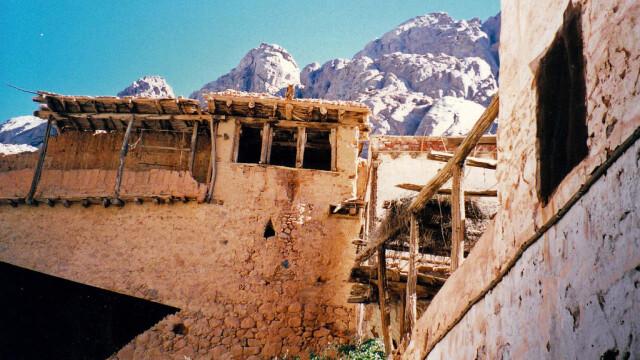 Beduinii de origine romana, in razboi cu parintele contra-terorismului egiptean. Miza: un monument UNESCO - Imaginea 2
