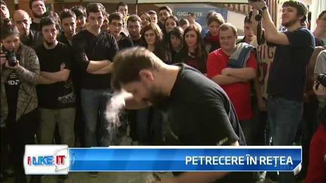 iLikeIT. Gamer-ii din Romania au sarbatorit Pastele Calculatoarelor. Cum arata o petrecere cu azot