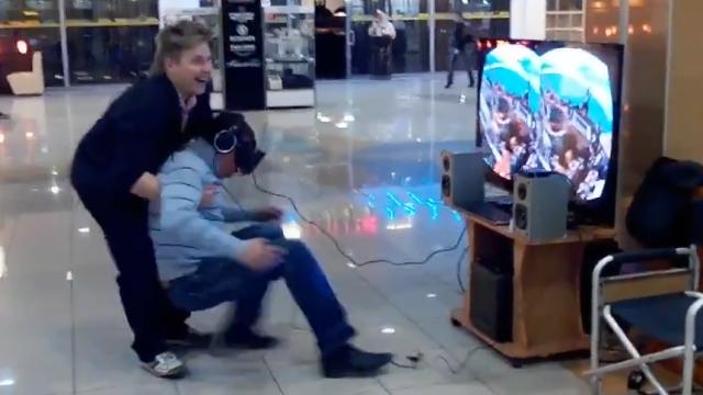 VIDEO. Oculus Rift i-a provocat cea mai puternica sperietura. Primul contact al unui tanar din Rusia cu realitatea virtuala