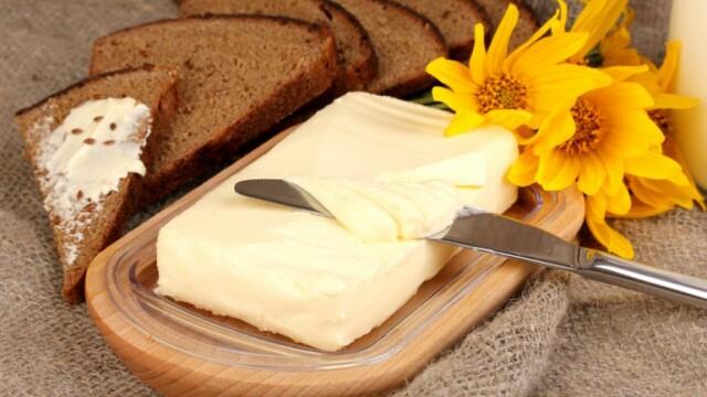 Un nou studiu acuza medicii ca au gresit limitand consumul de produse din lapte integral. Beneficiul adus de unt si smantana