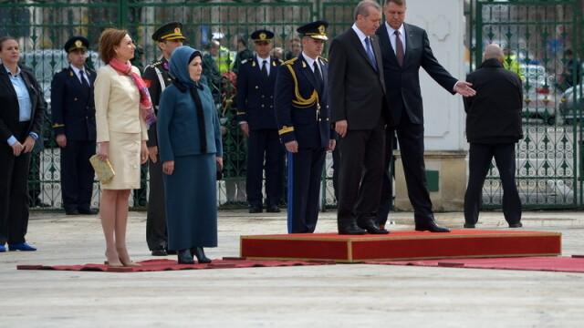 Imagini de la intalnirea lui Klaus Iohannis cu presedintele turc Recep Tayyip Erdogan. GALERIE FOTO - Imaginea 1