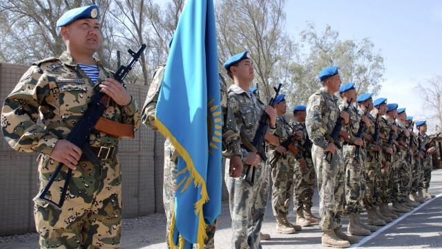 Concursul de frumusete prin care barbatii din Kazahstan sunt tentati sa se inroleze in armata
