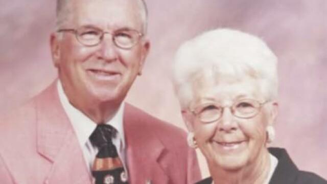 Doi batrani, casatoriti de 73 de ani, au murit la numai 5 minute distanta. Cuvintele emotionante ale femeii