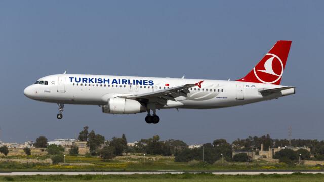 Incident tragic la bordul unui avion Turkish Airlines. Bebelusul unei femei suspectate de legaturi cu Statul Islamic a murit